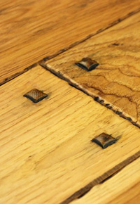 Authentic Hand Scraped Hickory Flooring with Wooden Pegs