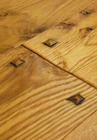 Hand Scraped White Oak Flooring (Wide Plank)